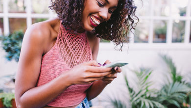 10 Texts To Send Right After A Date To Keep The Conversation Going
